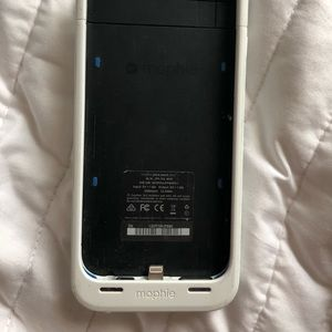 Mophie Charging Case (iPhone 6/7)